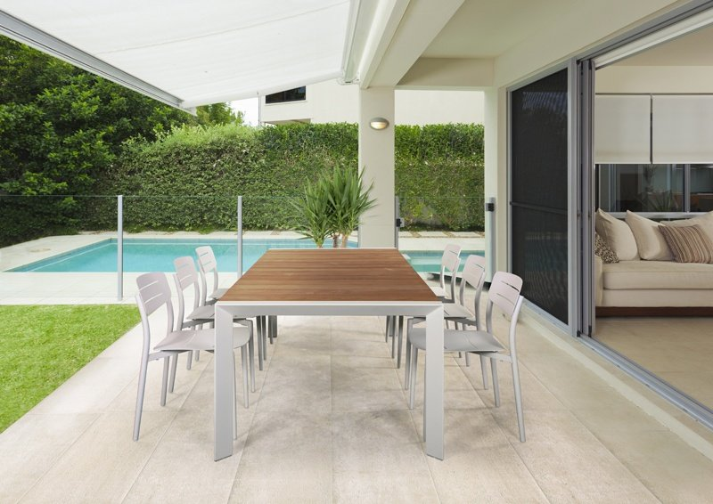 Bella-vita-dining-table-and-Alto-side-chairs