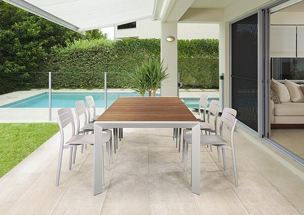 Bella-vita-dining-table