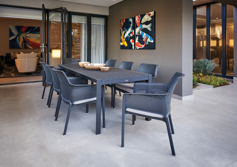 Mobelli_Grande-Extendable-Dining-Table-in-Anthracite