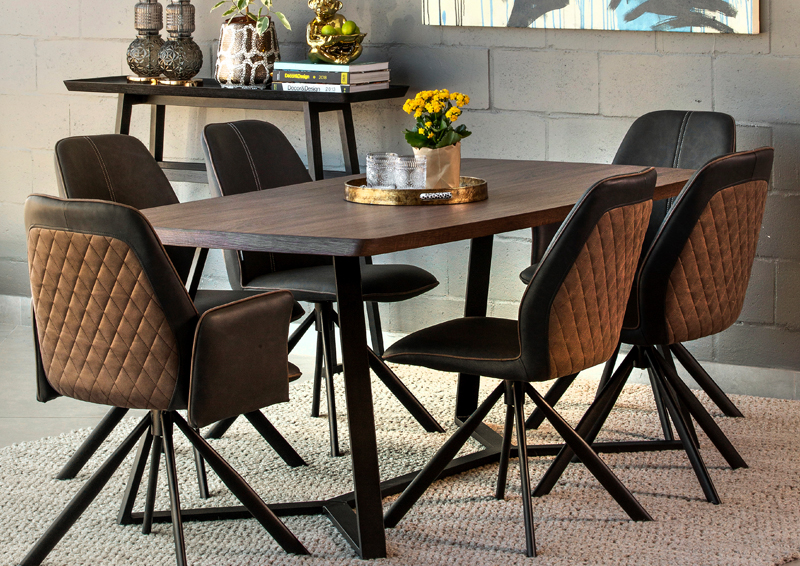 Salisbury-dining-table-and-Newport-dining-chairs