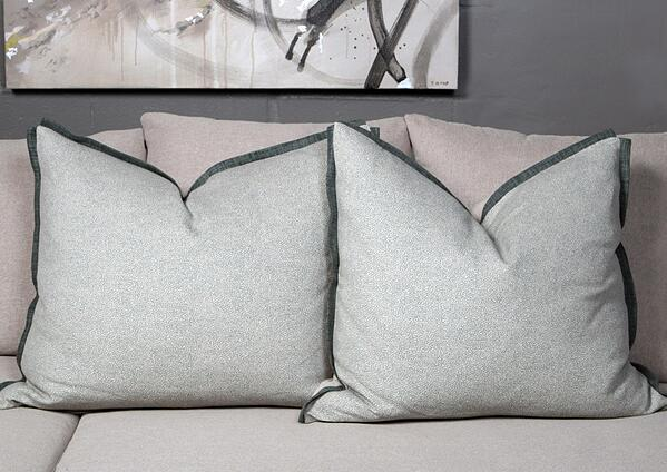 scatter-cushions-mobelli